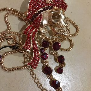 Besty Johnson skull NWT. Red crystals. Ex lg chain